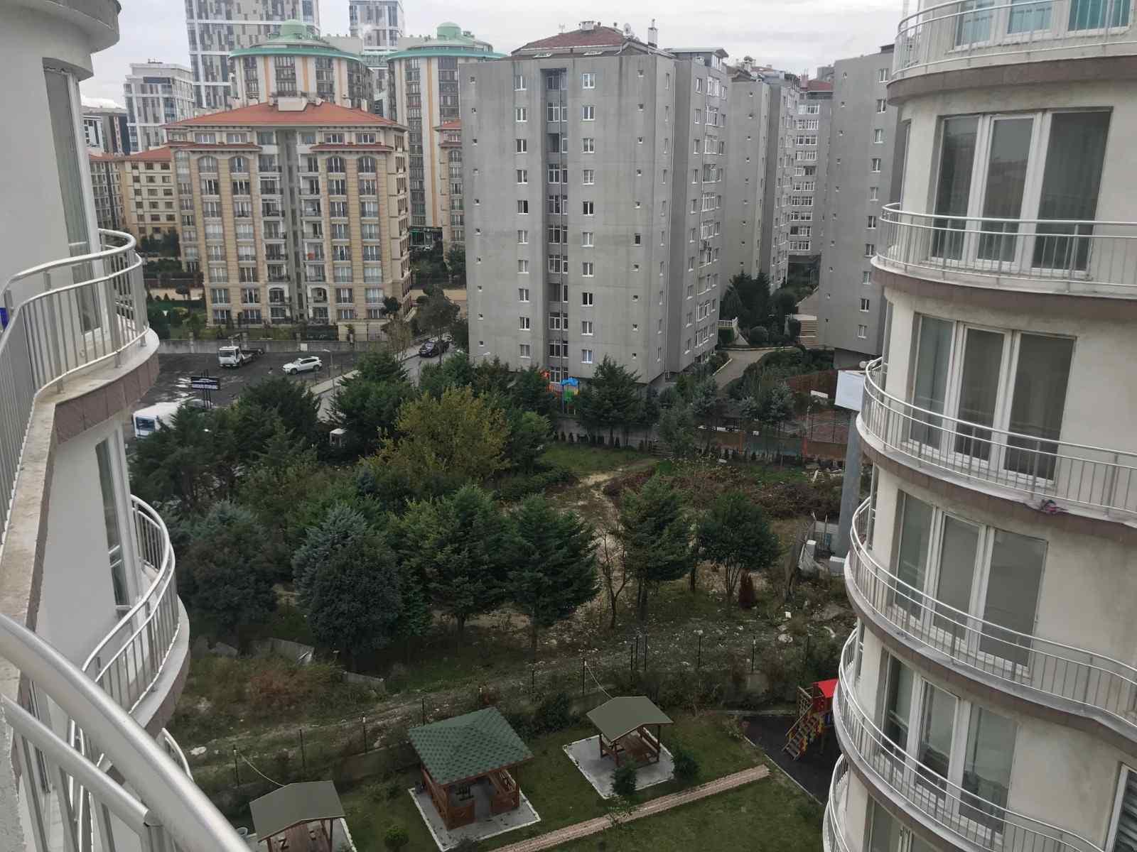 شقة في بيليك دوزو (بيوك شكميجة) في القسم الاوروبي -اسطنبول