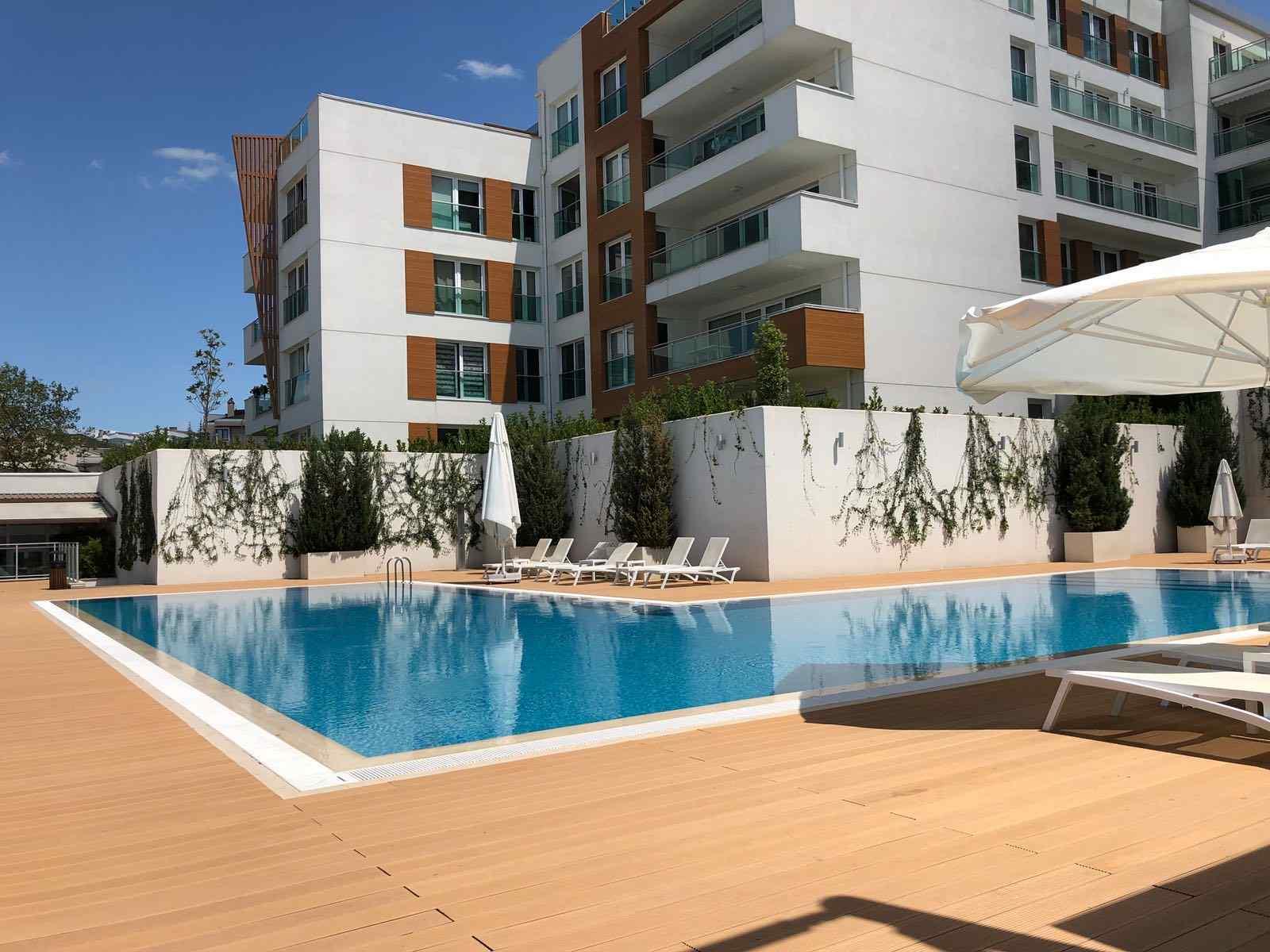 شقة رائعة وواسعة في بليك دوزو اطلالة على البحر 3+1